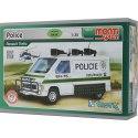 Monti System MS27 Police je plně vybavená policejní dodávka Renault Trafic. S robustním rámem na kapotě, pancéřováním a ampliony.