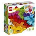 Rozvíjejte tvořivost svého malého dítěte díky této skvělé sadě základních LEGO DUPLO kostek. Vrtulník, rybička, květina, srdíčko - co asi dnes postaví?