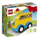 Vaše malé dítě si zamiluje jízdu po okolí se žlutým školním autobusem ze stavebnice LEGO DUPLO Můj první autobus.