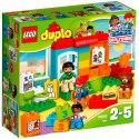 Hrajte si a učte se celý den se sadou LEGO DUPLO Školka.