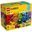 Rozpohybuj své LEGO výtvory pomocí koleček s touto vzrušující sadou od LEGO Classic, která obsahuje širokou škálu koleček a pneumatik v nejrůznějších barvách a velikostech.