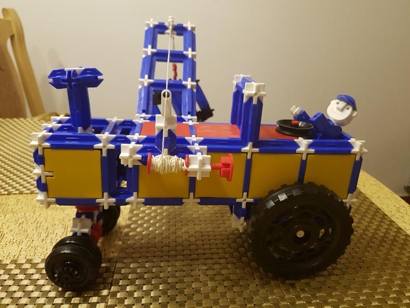 Model traktoru podle vlasního návrhu od zákazníka